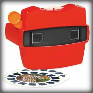 Modern Megalethoscope, View Master With Reel. Image: Amazon.