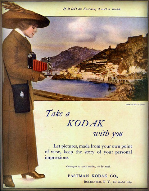 Kodak Girls, 1913. Image: vintage.es.