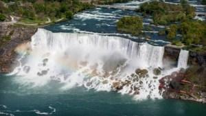 Maria Spelterini, American Falls Niagara Falls. Image: Robert F. Tobler; Wikipedia.