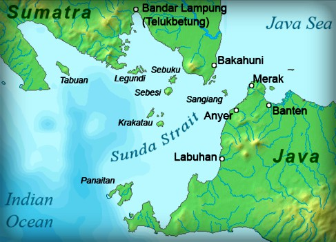 Map of Sunda Strait with Krakatau in Center between Java and Sumatra. Image: ChrisOm Wikipedia.