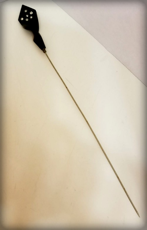 Dangerous Victorian Hatpins. Image: mkatantiques; ebay.