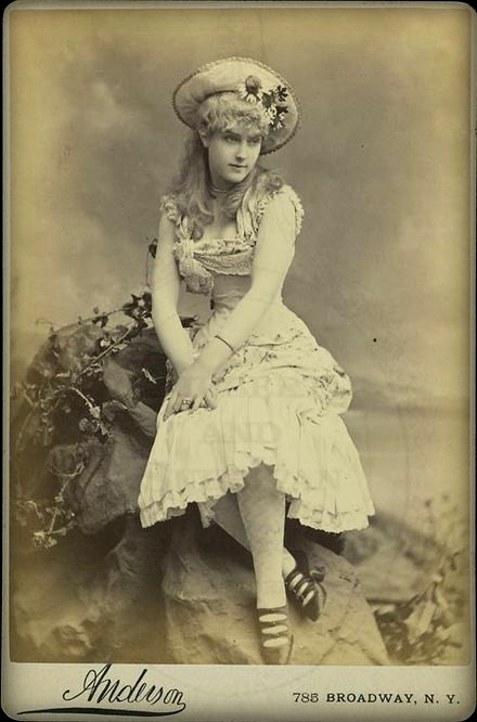 Lillian Russell in Patience, 1882. Image: Wikipedia.