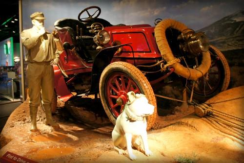 Horatio Jackson's Winton and Dog Bud, 1903. Image: Wikipedia.