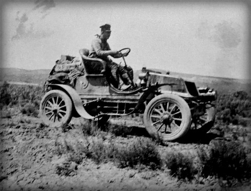 Horatio Jackson Driving Winton, 1903. Image: Wikipedia.
