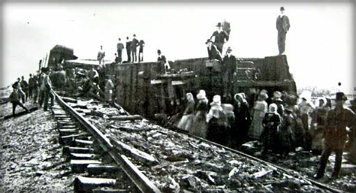 Train Wreckage. Image: Wikipedia.