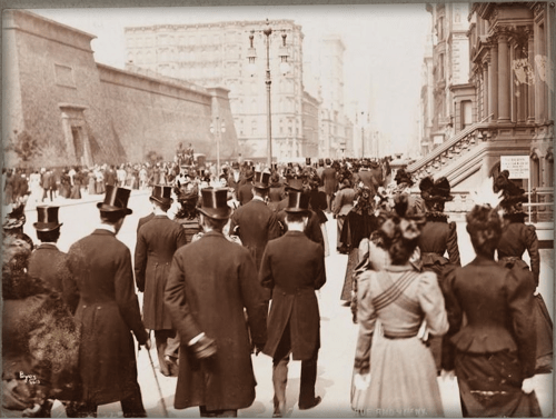 Easter Parade, 5th Ave., c. late 1800s. Image: Library of Congress.