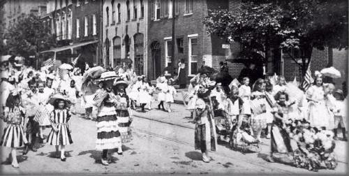 Victorian July Fourth Parades-Frederick, Maryland, 1912. . Image: Vintage Everyday.
