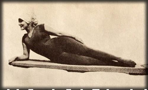 Annette Kellerman Swimsuit, 1909. Image: Wikipedia.