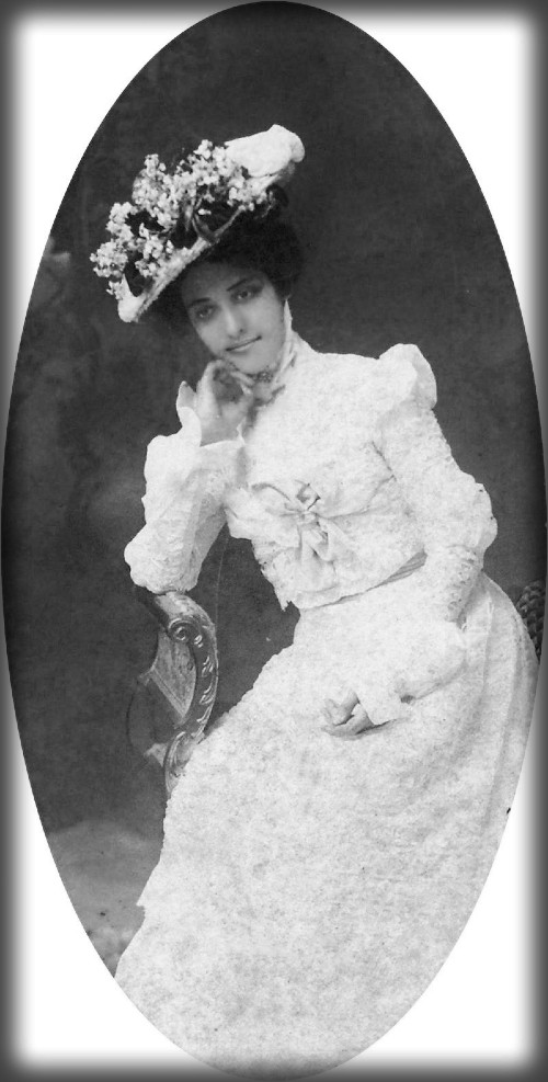 Surfing Princess Kaiulani,San Fran Cisco, 1898. Image: Hawaii State Archives.