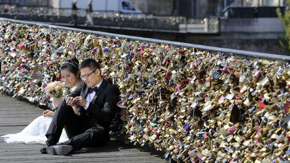 Love-locks-paris