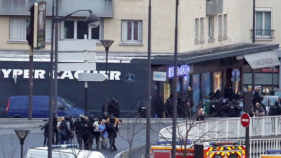 Hostages-freed-in-paris-01