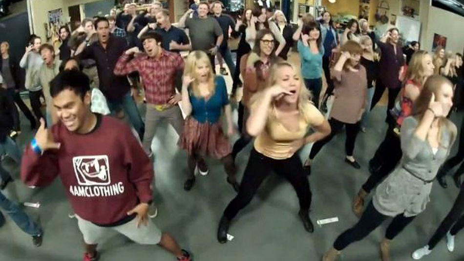 -big-bang-theory-cast-stages-call-me-maybe-flashmob-video--1b6ca9c95d