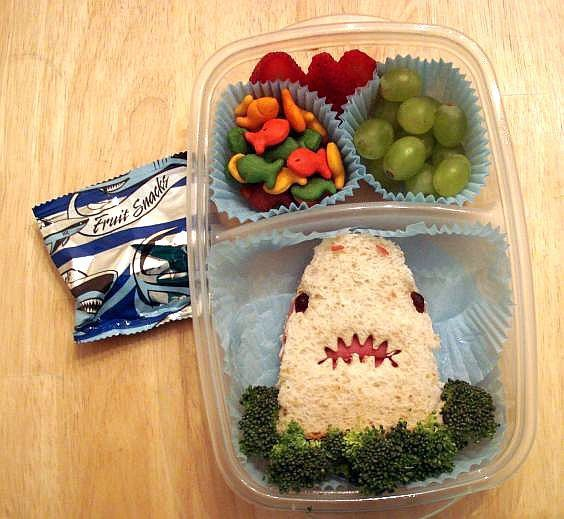 Jaws-shark-bento-box