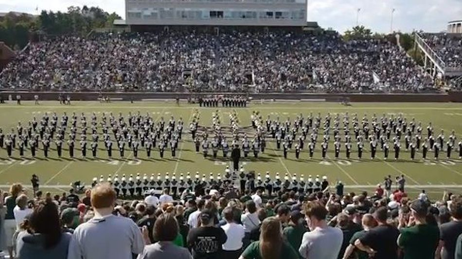College-marching-band-does-it-gangnam-style-video--8d0ecbf86b