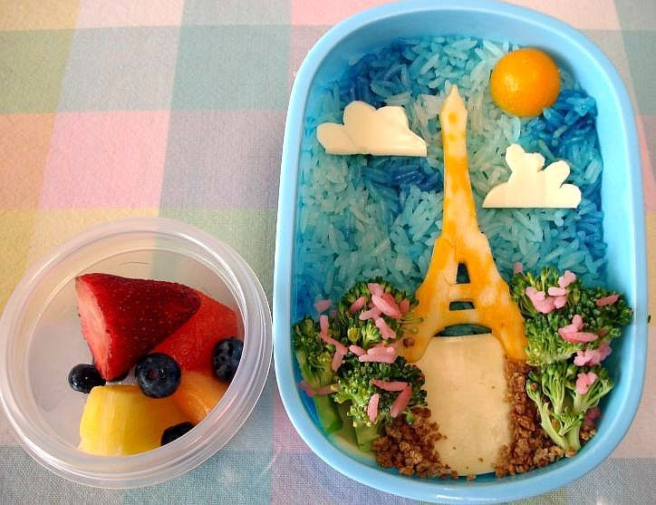 Eiffel-tower-bento