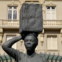Lata d'água na cabeça - Paço Municipal