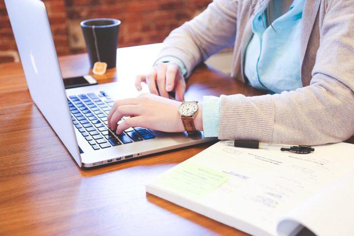 Vários escritórios de advocacia completaram o primeiro mês operando 100% em home office com aumento de produtividade - foto: Pixabay