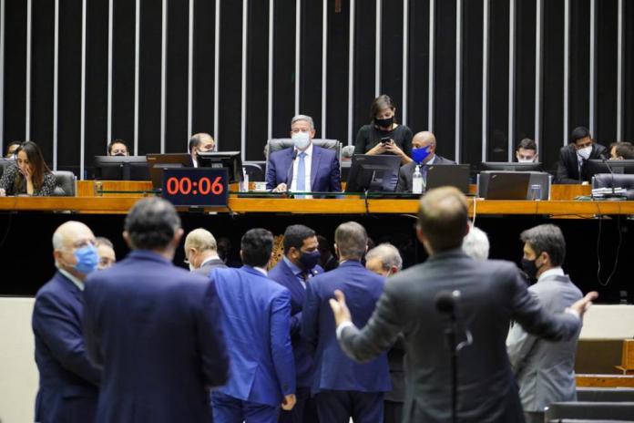 crise de representação: foto mostra plenário da camara dos deputados  Foto: Pablo Valadares/Câmara dos Deputados
