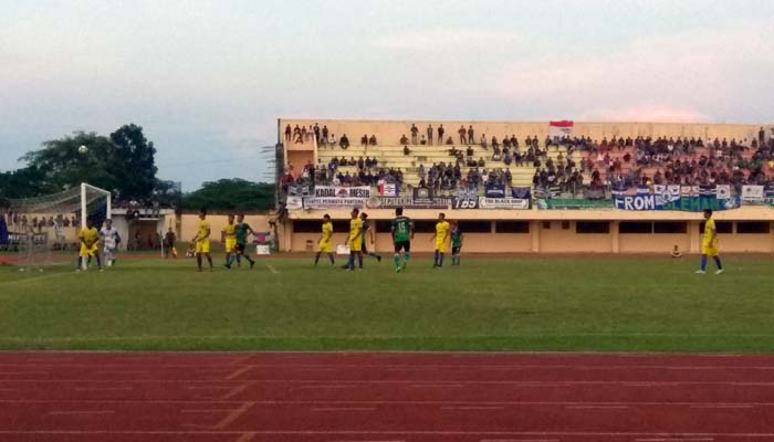 PSIM Yogyakarta Dilibas 2-0