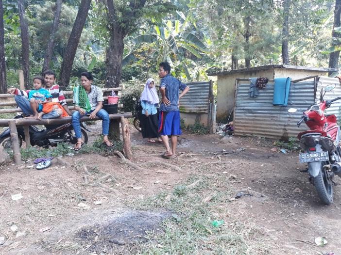 Sumur Mengering, Warga Rela Antri Berjam-jam untuk Mandi