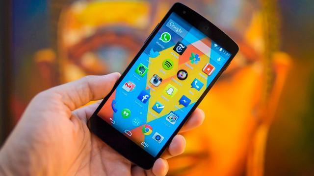 Tanpa Disadari, 5 Kebiasaan Ini Ternyata Bisa Bikin Smartphone Enggak Awet