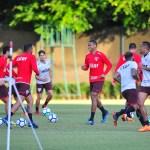 São Paulo se prepara para enfrentar o Botafogo: veja imagens do treino