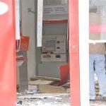 Ladrões explodem duas agências bancárias