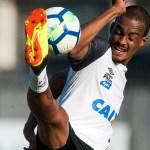 Chegada de Cuca pode impedir saída de Luiz Felipe no Santos