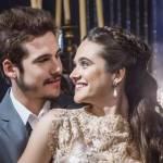 O Tempo Não Para: Marocas e Samuca têm jantar de noivado