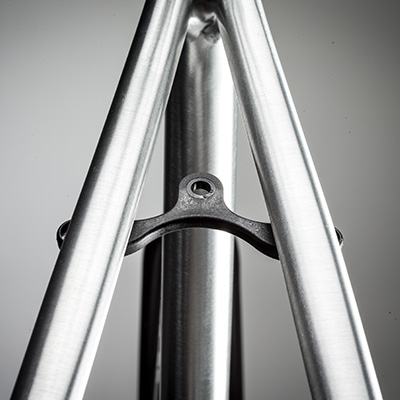 wird mitgeliefert für die Montage von Schutzblechen, so wird das CAADX auch mal schnell zum Commuter oder Wintertrainingsbike umfunkioniert.