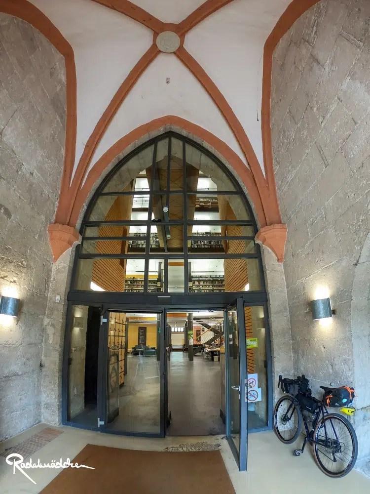Kirche mit Bibliothek in Mühlhausen