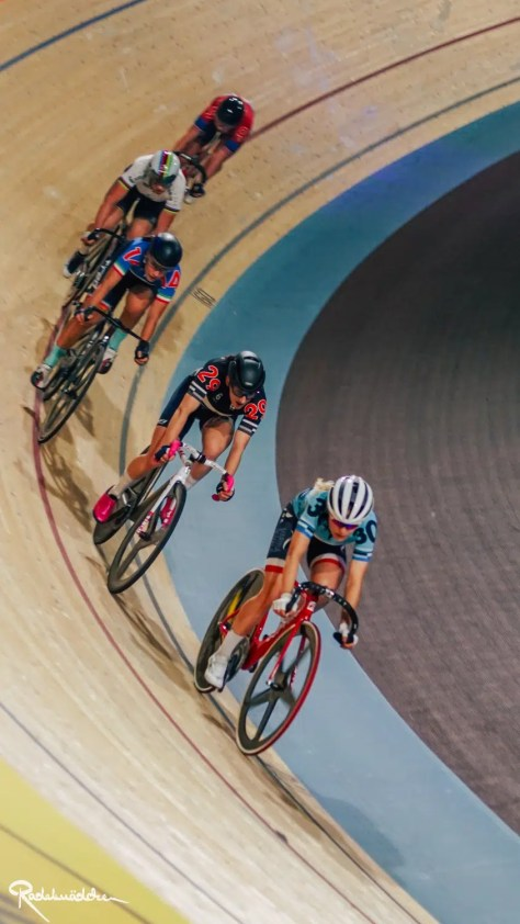 Six Day Berlin female cyclists on the track