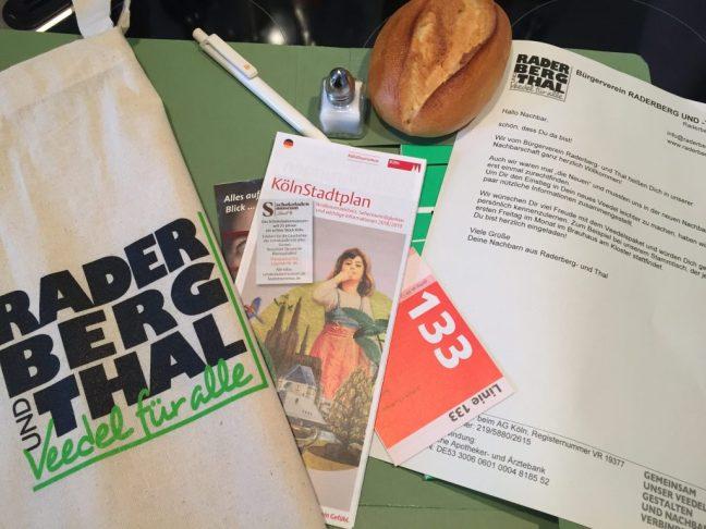 Das Veedelspaket: Ein Willkommensgeschenk für neue Nachbarn. Mit Brot & Salz und vielen Infos rund ums Veedel.