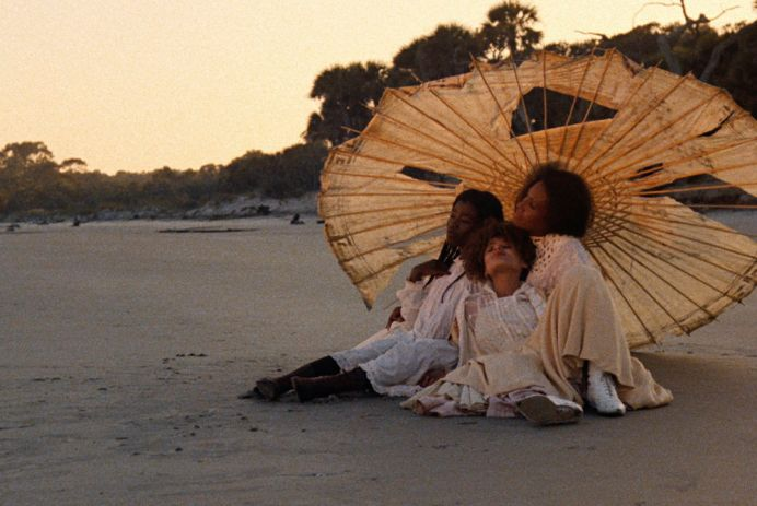 Radiant Circus Screen Guide - Films in London today: DAUGHTERS OF THE DUST at Deptford Cinema (13 MAY).