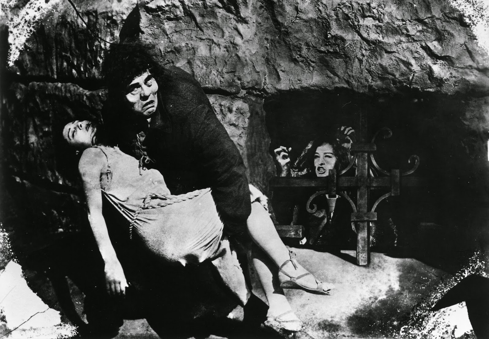 Films in London today: THE HUNCHBACK OF NOTRE DAME at Christ Church Southgate (13 OCT).