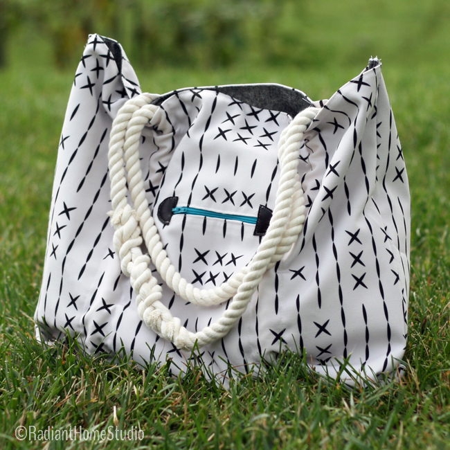 Coastal Tote | Fabric by Holli_Zollinger on Spoonflower |Radiant Home Studio