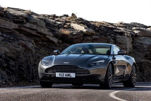 Aston DB11 - 10
