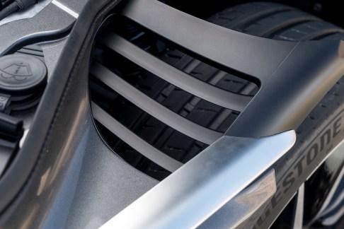 Aston DB11 - 20