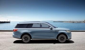 Lincoln Navigator Concept side profile