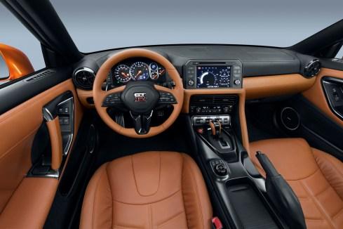 Nissan GT-R - 14