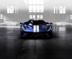 GT Configurator: Liquid blue Ford GT frozen white stripe facing
