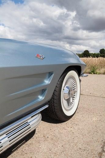 1963 Chevrolet Corvette Sting Ray Split-Window Coupé - 11
