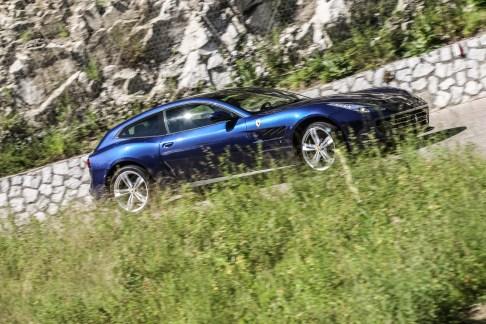 ferrari gtc4lusso-blu - 17