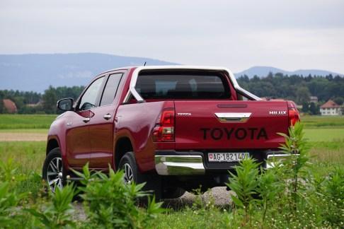 Toyota Hilux - 12