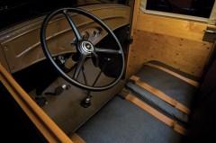1932-ford-v8-station-wagon-4