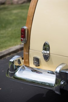 1950-chrysler-royal-town-and-country-station-wagon-18