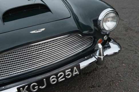 @1961 Aston Martin DB4 Series II - 21