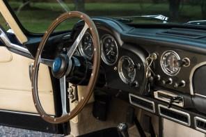 @1962 Aston Martin DB4 - 18