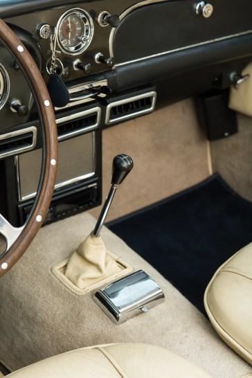 @1962 Aston Martin DB4 - 19