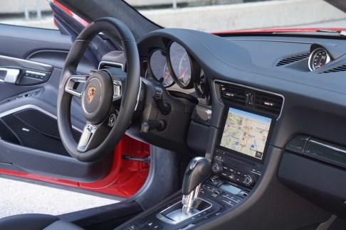 st16-Porsche 911 Turbo S - 14